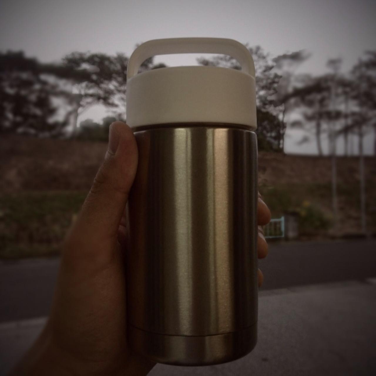 美味しいコーヒーを飲むための水筒に求めるたったの2つのこと